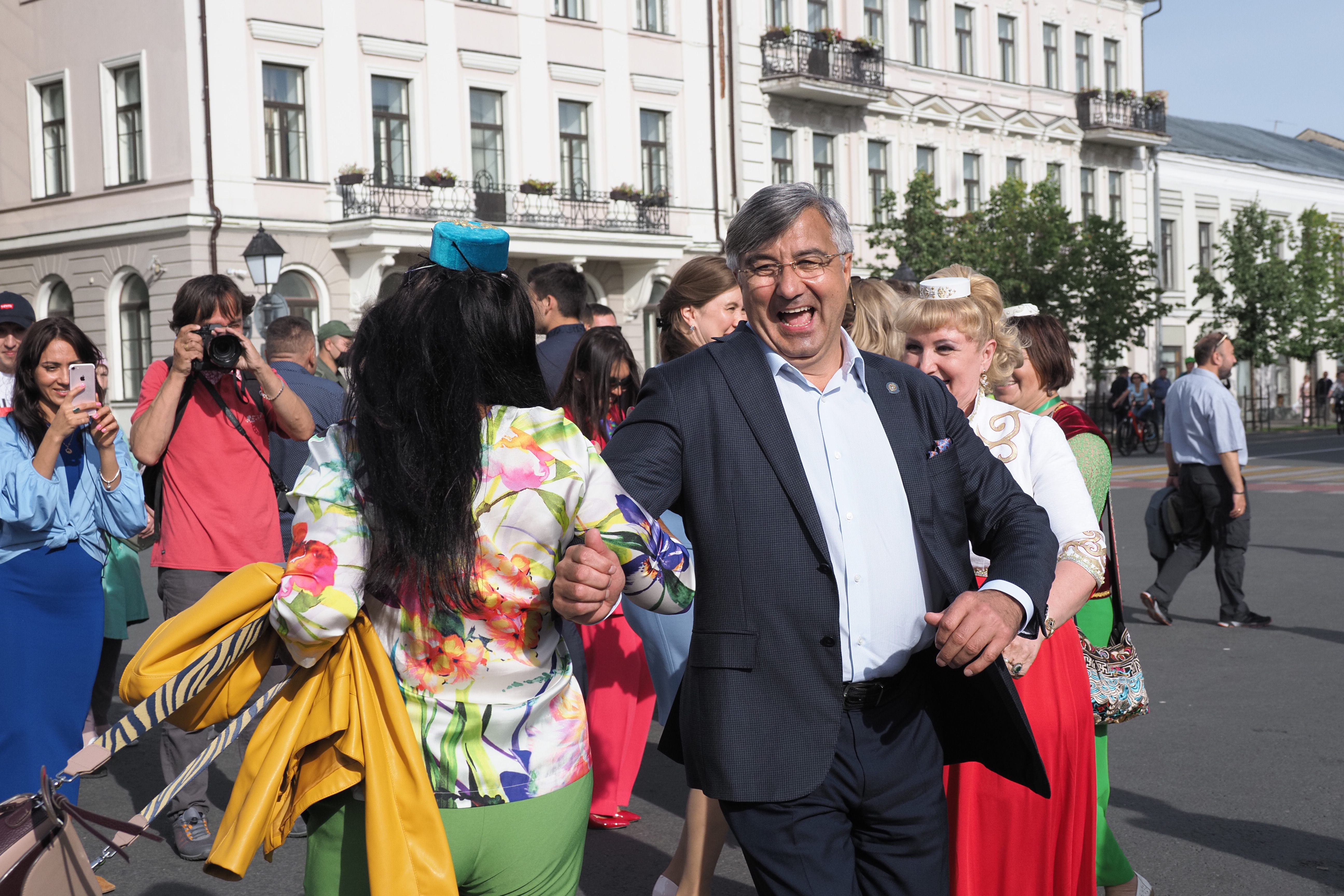 Танцы отШайхразиева, «Рубин» втюбетейках, «банда» Элвина Грея ипраздничный салют
